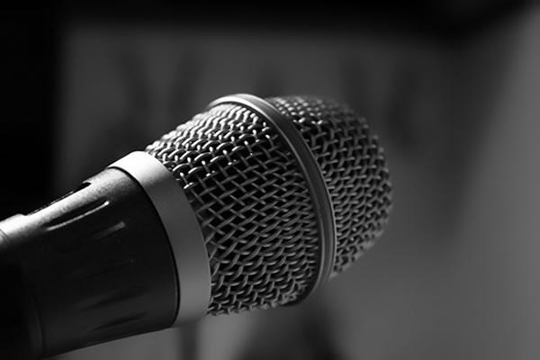 Saiba aqui como encontrar aula de canto