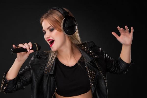 Veja como aula de canto pode ajudar você a melhorar sua Extensão Vocal!